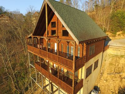 Huge Decks on two levels for panoramic views of the gorgeous Smoky Mountains
