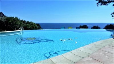 Photo for Villa sea view breathtaking, beach walk, swimming pool, wifi, saint-Raphael,