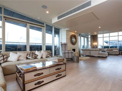 Photo for Luxurious Penthouse with a beautifully landscaped terrace