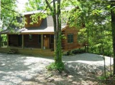 SPECIAL!  Lakefront Log Cabin Nolin Lake.  Getaway, Relax, Book Now!