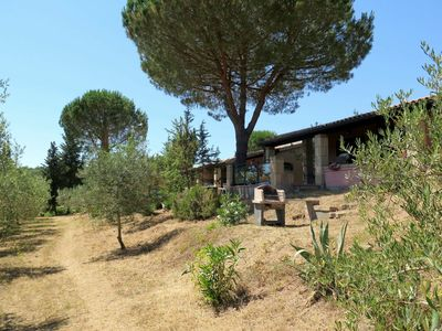 Photo for Beautiful apartment for 5 guests with pool, WIFI, pets allowed and parking