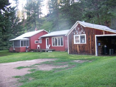 Quaint Cabin in the Heart of the Black Hills