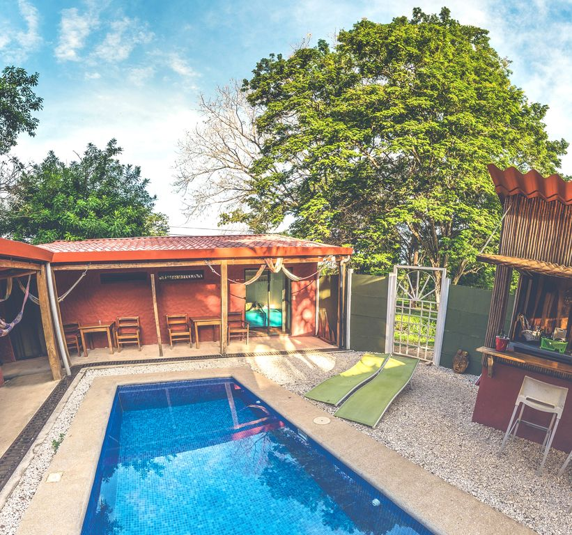 5min from the Beach Fresh & Double Room by the Pool in a Quiet & Charming Hotel