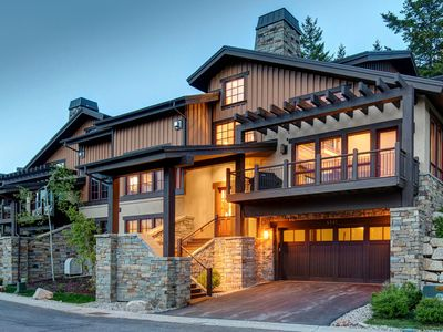 Photo for SPECTACULAR 4-BEDROOM HOME... AMAZING VIEWS & AMENITIES GALORE