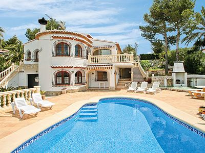 Photo for Villa located in popular residential community w/ Wi-Fi, pool and more