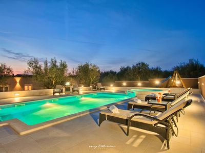 Photo for Villa with fantastic pool on the outskirts of Pula