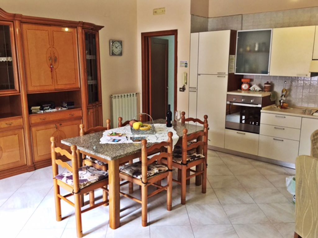 2 Bedrooms Apartment Near Pompeii Wifi Parking And