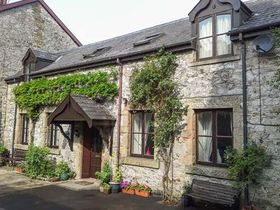 Photo for THE STABLES, pet friendly, with a garden in Buxton, Ref 936324