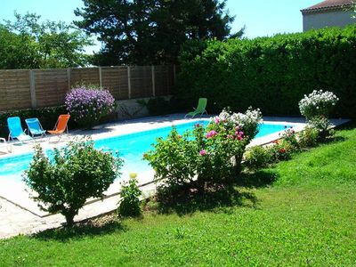 Photo for Between Lubéron and Alpilles - Spacious house - Private Pool - Free Wifi -