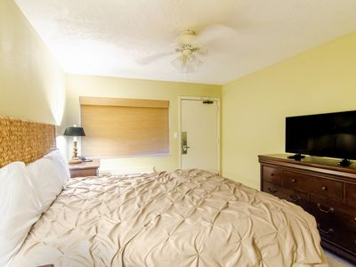 Photo for King Oceanfront 1 Bedroom Condo + Official On-Site Rental Privileges
