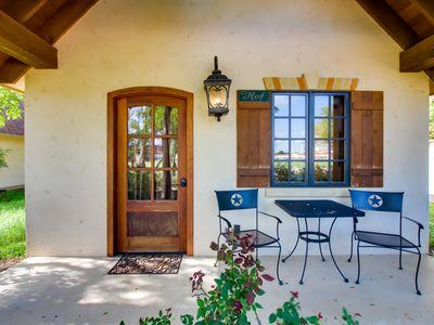 Photo for Private cottage with a deck & great access to tasting rooms!