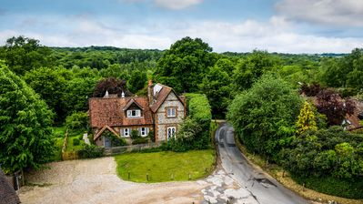Photo for 5BR House Vacation Rental in Henley-on-Thames, England