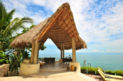 Relax and enjoy in the palapa in paradise!