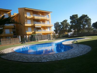 Photo for Apartment in l'Escala with private garden and common pool