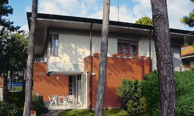 Photo for Charming villa in the center of lignano