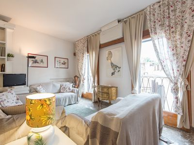 Photo for Apartment in the center of Rome with Internet, Air conditioning, Lift, Washing machine (9855)