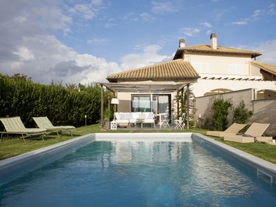 Photo for Lovely villa with private pool close to a golf course and beaches ..