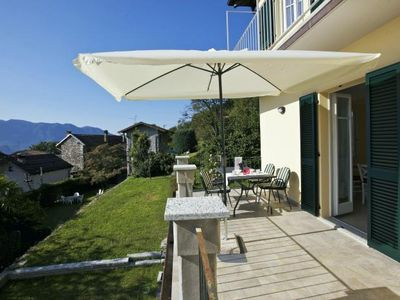Photo for Well maintained 3½-room apartment with garden, balcony and beautiful lake view