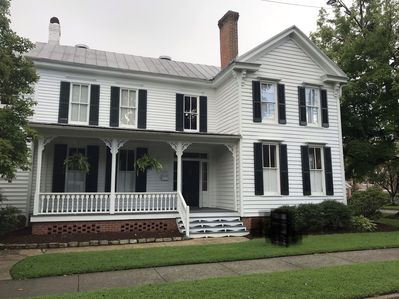 Built in 1893, Waterhouse is one block from downtown historic Edenton.