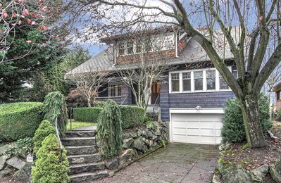 Photo for Quintessential Craftsman Style Home Close To Downtown