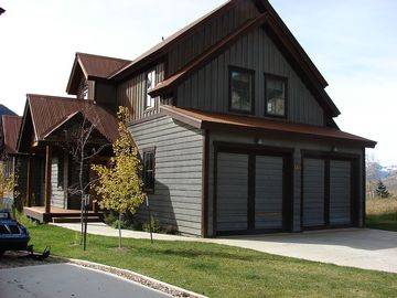 Lovely Riverfront Home In Skyland! Hot tub.  6th nt free