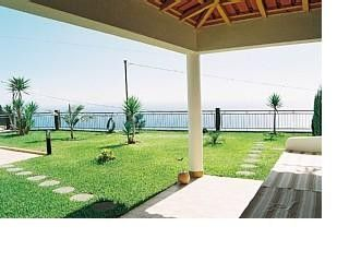Photo for Stunning house and garden with beautiful sea views (free wifi)