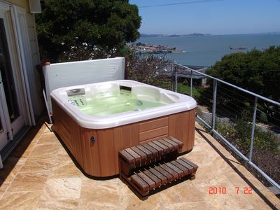 Photo for Luxury 3B/3B Tiburon w/jacuzzi, fab bay views/glass folding doors 3 kg, 1 qn bed