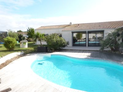 Photo for Family house with heated pool 5 minutes from the beaches, 10 minutes from La Rochelle