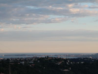 Photo for Sea view in the heart of maritime pines and air-conditioned!