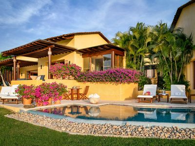 Photo for Four Seasons Private Villa Living at its Finest - EASTER OFFER AVAILABLE