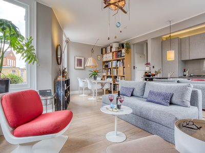Photo for Bright and Cosy Shepherd's Bush Nest - ACS