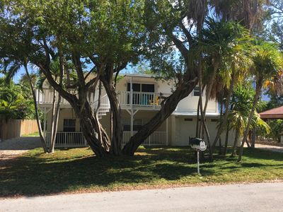 Photo for Your Home away from Home 3bd 2Ba close amenties, tucked away not to be noticed