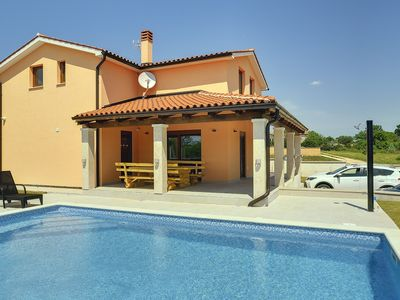 Photo for Beautiful villa with private pool, 4 bedrooms, 4 bathrooms, washing machine, air conditioning, WiFi, terrace and barbecue area