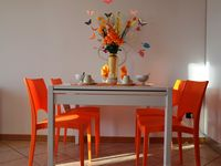 Lovely bright and clean apartment witihin walking distance of town of Peschiera and beach.