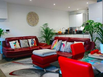 Photo for 4BR House Vacation Rental in London
