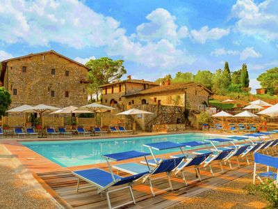 Photo for Spacious apartment on an estate from the 14th century, centrally located in Tuscany