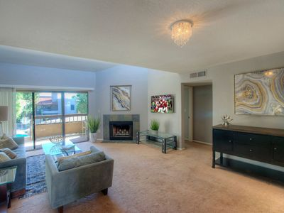 Modern newly remodeled condo in heart of old town scottsdale