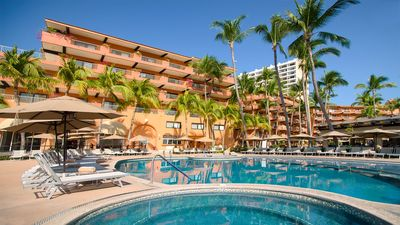 Photo for Villa del Palmar on the beach and close to downtown Puerto Vallarta!