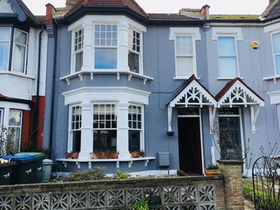 Photo for Large 4 bedroom family home in North London