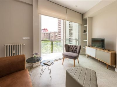 Photo for Spacious Avenida America apartment in Arturo Soria with WiFi, air conditioning, balcony & lift.