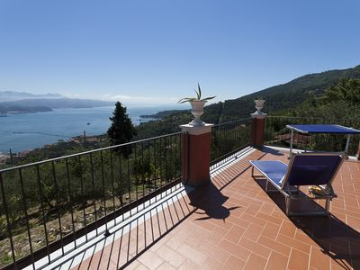 Photo for TRAMONTI apartment in villa five minutes from the Cinque Terre