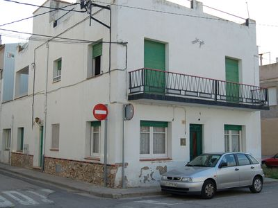 Photo for Traditional apartment located in the centre of Port de Llançà, just 100m away from the b