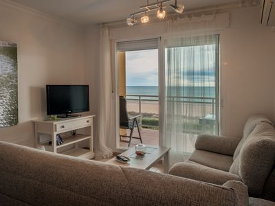 Photo for 1st line with terrace and sea views (solmar)