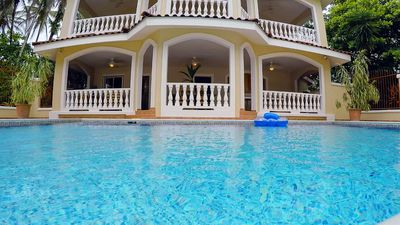 Villa Paraiso is luxury, for only you, on the beach with private pool!