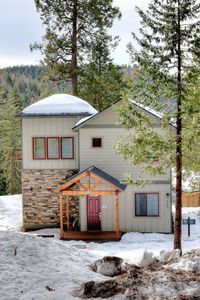Photo for Relax and enjoy this 3 bedroom, 2 bath, 2,200 square foot craftsman style home