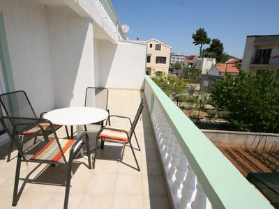 Photo for Two bedroom apartment with terrace and sea view Tribunj (Vodice)