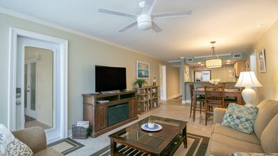 The Beach Just Called... Asking For You! 2 Bedroom / 2 Bath- Sleeps 6!!