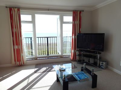 Admire the beautiful sea views directly from your sofa!