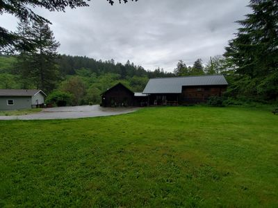 Evergreen Cabin  in the hills of Brookings