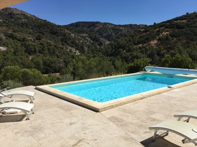 Photo for Pretty cottage with heated pool located in Cavaillon, magnificent view, 4 people
